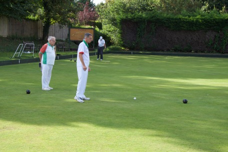 Mens Drawn Pairs - Bob and David check progress